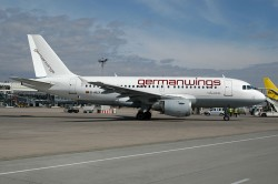 1022_D-AILX A319-100 German Wings STR.jpg