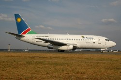 2363_V2-AND B737-200 Air Namibia JNB.jpg