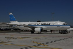 3314_9K-AKD A320 State of Kuwait NCE.jpg