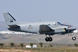 70002208_SpanishAirForce_BeechC90_E22-05.jpg