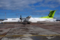 7045_YL-BAX_DHC8-400_Air_Baltic_RIX.jpg