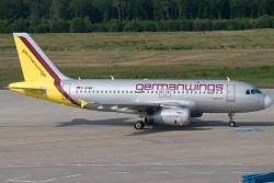 3008675_Germanwings_A319_D-AGWB_CGN_27062010.jpg