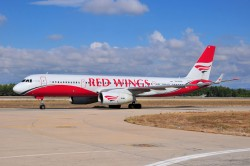 4494_RA-64019 TU204 Red Wings AYT.jpg