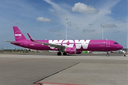 10028_TF-MOM_A321_Wow_Air_AMS.jpg