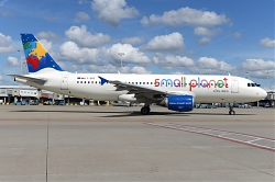 10797_LY-SPF_A320_Small_Planet_Airlines_28TUI_stkr29_AMS.JPG