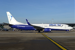 10999_YR-BMC_B737-800W_BLUE_AIR_BRU.JPG