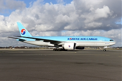 11063_HL8046_B777-200F_Korean_Air_AMS.JPG