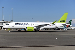 11139_YL-CSC_CS300_Air_Baltic_AMS.JPG