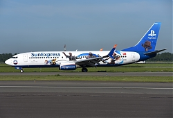 11809_TC-SNN_B737-800W_Sun_Express_28Playstation_c_s29_AMS.JPG