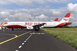 11881_OE-IFC_A321_Red_Wings_MPL.JPG