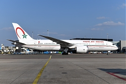 12630_CN-RGU_B787-800_RAM_28right_side29_AMS.JPG