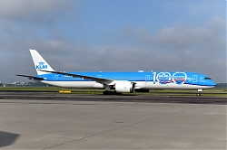 12833_PH-BKA_B787-10_KLM_28100yrs29_AMS.JPG