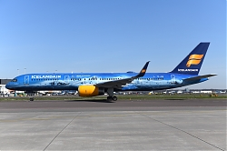 13257_TF-FIR_B757-200W_Icelandair_2880yrs_of_Aviation29_AMS_AMS.JPG
