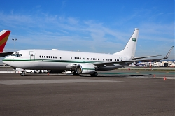 7872_HZ-102_B737-800W_Royal_Saudi_Airforce_LAX.jpg