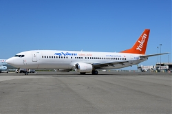 8101_C-FANB_B737-400_Air_North_YVR.jpg