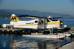 8119_C-FHHQ_DHC2_Harbour_Air_YHC.jpg