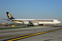 8754_9V-SGE_A340-500_Singapore_Airlines_LAX.jpg