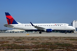 8871_N617CZ_EMB175_Delta_Connection_LAX.jpg
