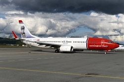 9349_LN-NOW_B737-800W_Norwegian_28Oda_Krohg29_TRD.jpg