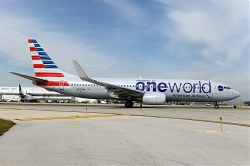 9554_N837NN_B737-800W_American_28One_World29_ORD.jpg