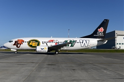 9889_C-GCNO_B737-300_Canadian_North_28Canadian_Football_League_c-s29_YYC.jpg