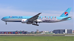 20200423_181407_6111217_KoreanAir_B777-300_HL8010_SuperM-colours_AMS_Q2.jpg