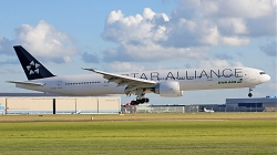 8004880_EvaAir_B777-300_B-16701_StarAlliance-colours_AMS_13082013.jpg