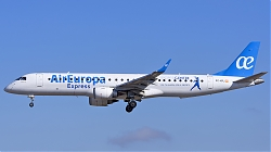 8053846_AirEuropaExpress_ERJ190_EC-KRJ_new-colours-SportsCentre-stickers_PMI_23082017.jpg