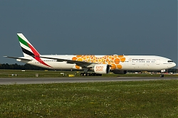 A6-ENR_Emirates_B773_Expo2020-orange_MG_5252.jpg