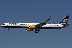 TF-FIX_Icelandair_B753_MG_9988.jpg