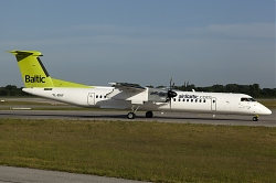 YL-BAY_AirBaltic_D8-Q400_MG_4159.jpg