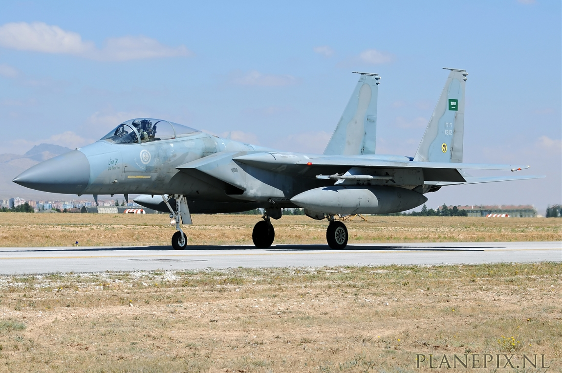 الموسوعه الفوغترافيه لصور القوات الجويه الملكيه السعوديه ( rsaf ) Normal_1_F-15C_Eagle_Saudi_Arabia_Air_Force__1312