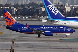 2788_B737_N711SY_Sun_Country.jpg