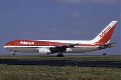 B762_N985AN_Avianca_1150.jpg